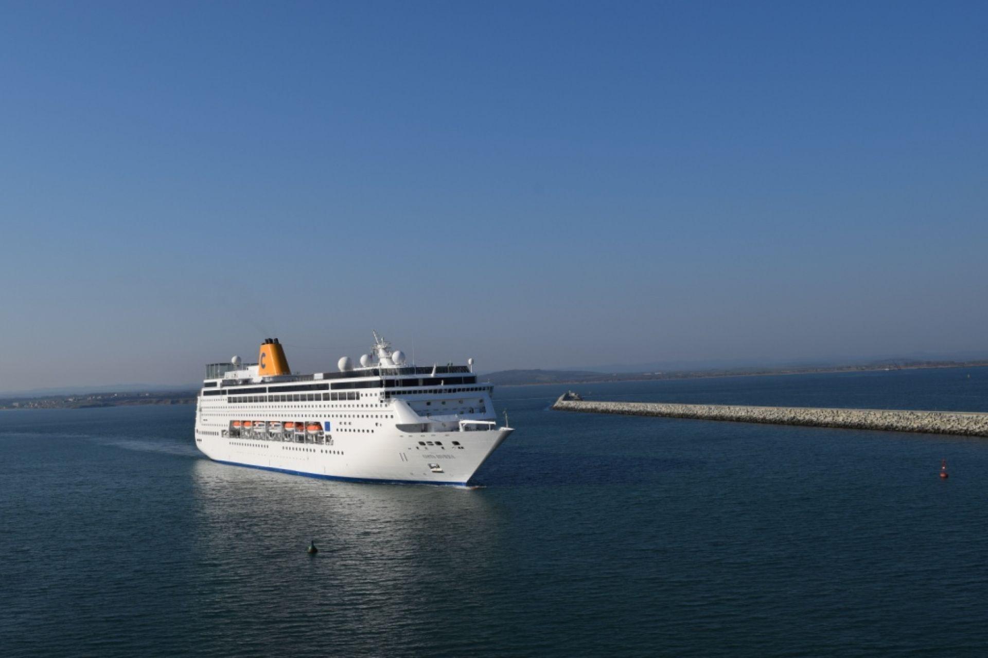 Costa NeoRiviera откри круизния сезон на Морска гара Бургас - 22.04.2014