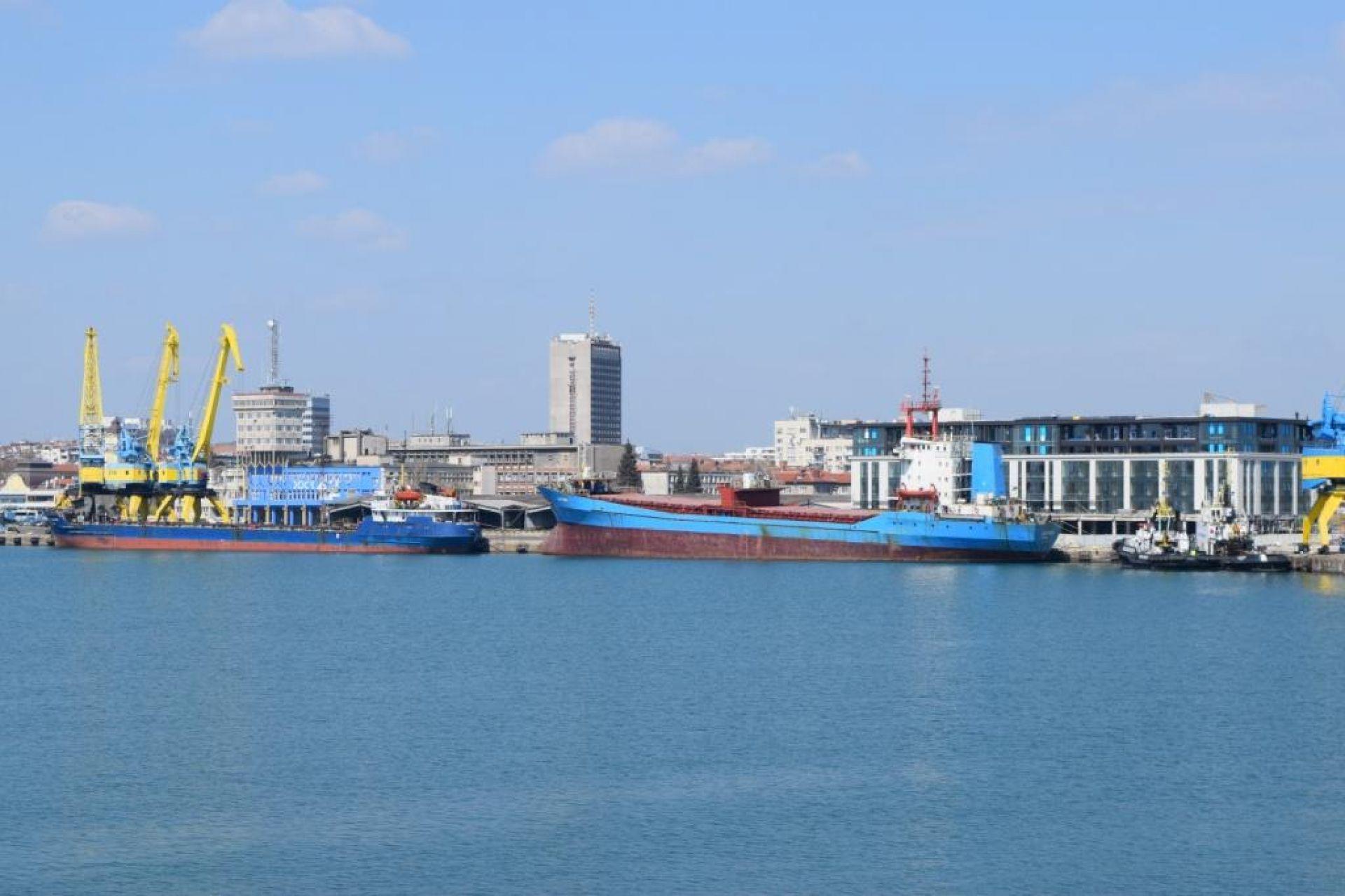"""Клиентите оценяват с """"много добър"""" услугите на бургаското пристанище - 02.09.2019"""