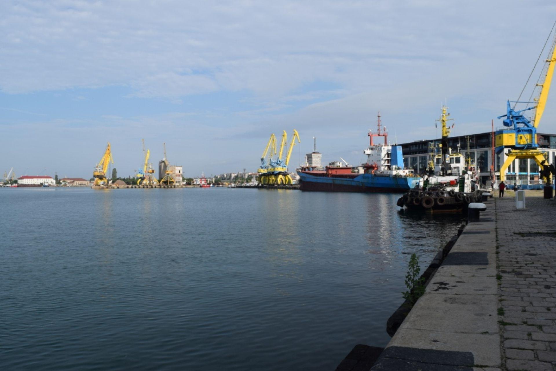 """""""Пристанище Бургас"""" ЕАД със строги мерки и с жест на съпричастност в извънредното положение - 16.04.2020 г."""