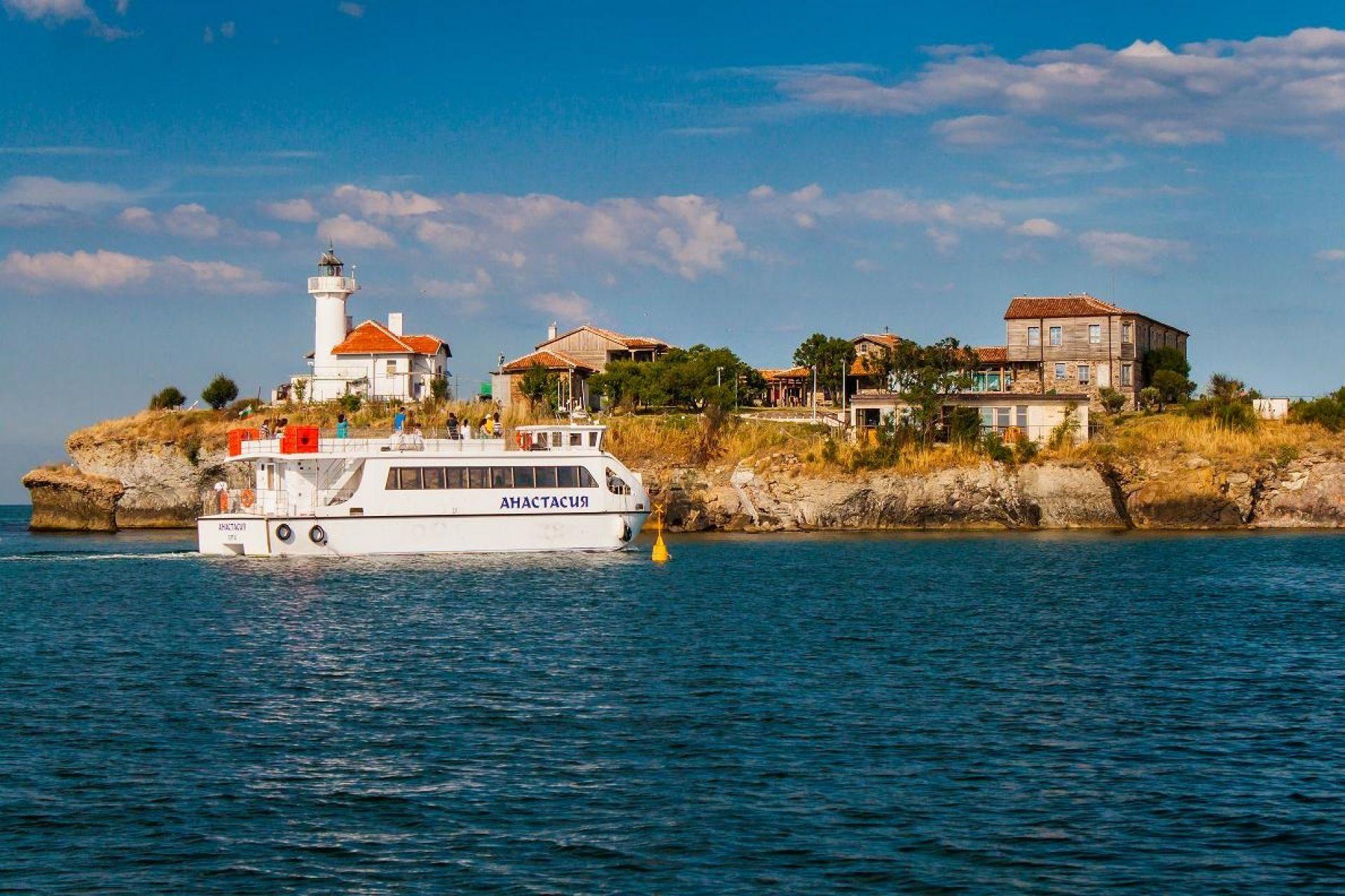 Остров Света Анастасия предлага богата културна програма през юли 2018г